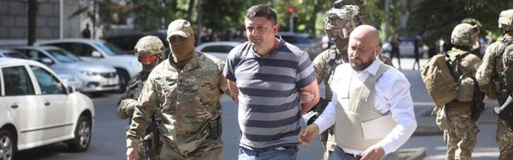 Чоловіка, який погрожував підірвати Кабмін, затримали (ФОТО)