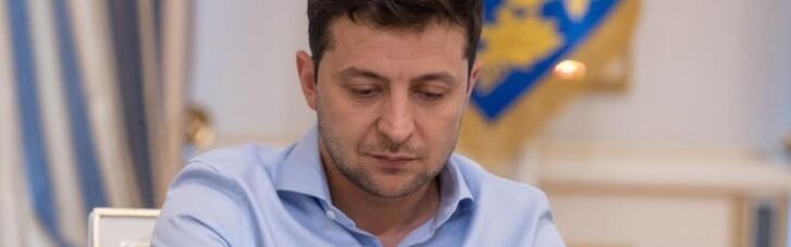 Зеленский передал самолет и вертолет украинской армии