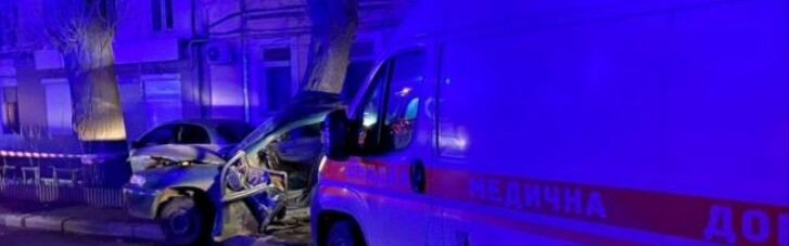 """В Одессе произошло ДТП с участием """"скорой"""", есть пострадавший"""