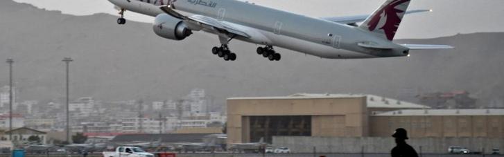 """З українцями на борту: з Кабула """"під талібами"""" відправився перший комерційний рейс"""
