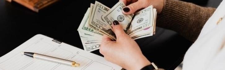 Українцям із зони ООС полегшили умови виплати кредитів: Зеленський підписав закон