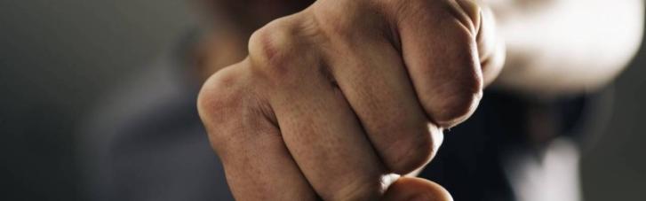 На Донеччині депутат від ОПЗЖ напав на мера-однопартійця