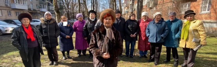 """Бабусі з """"загонів Путіна"""" згуртувалися проти """"кубел, пияцтва і аморальності"""" в Clubhouse (ВІДЕО)"""