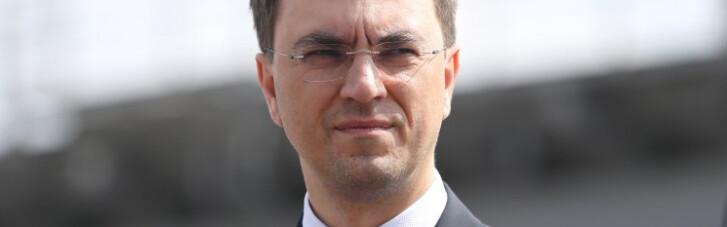 Омелян призвал авиакомпании перейти на украинский язык