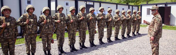 Азербайджан разместил в Нагорном Карабахе 20 воинских частей (ФОТО)