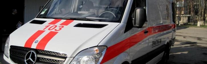 """В Черновицкой области в """"скорой"""" умер итальянец, которого отказались брать в больницы"""