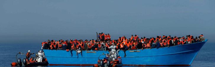 Біля берегів Іспанії зазнав аварії човен з мігрантами – 12 зниклих безвісти