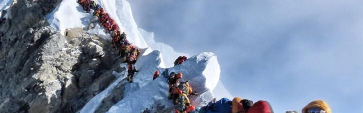 Прогулка по трупам. Как гибнут в пробке на Эвересте