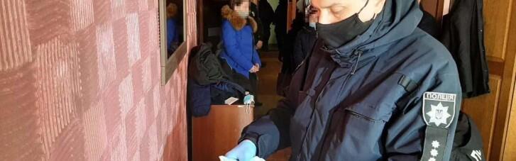 """""""Ваш родич скоїв ДТП"""": вінницькі поліцейські затримали телефонних шахраїв, які ошукували пенсіонерів (ФОТО)"""