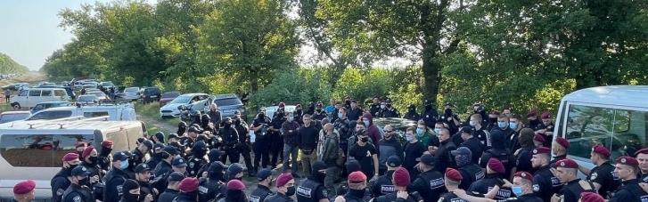 Полиция применила слезоточивый газ против ветеранов российско-украинской войны, которые хотели высказать свое недовольство Зеленским