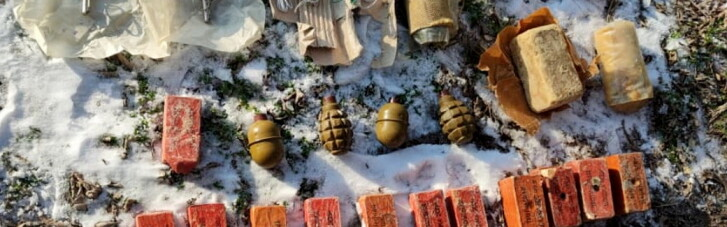 СБУ нашла вблизи военного объекта на Херсонщине тайник со взрывчаткой