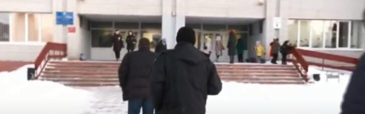 В ліцеї під Києвом дві дівчини отруїлися таблетками