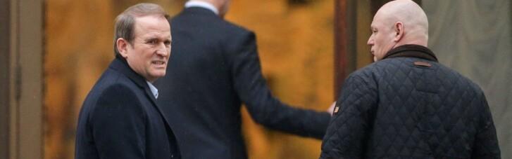 ЗМІ поділилися аудіо бесід Суркова і Медведчука про постачання електрики до Криму в 2014-му