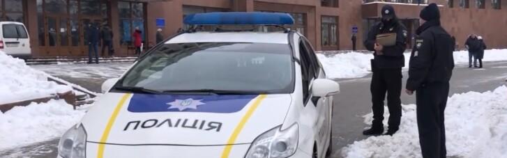 Хвиля мінування: в Івано-Франківську вибухівку шукають в аеропорту та низці вишів (ВІДЕО)
