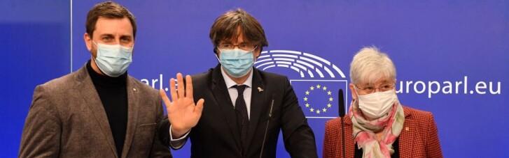 Біженці-депутати. Чому Європарламент позбавив імунітету вождя каталонських сепаратистів