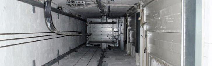 В Луганске на два часа продлили работу лифтов