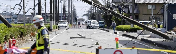 На Японію обрушився торнадо: зносив дахи будинків і перевертав авто (ФОТО)