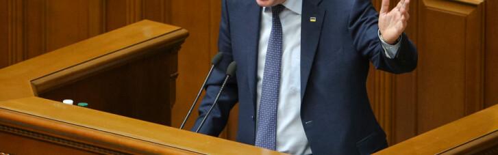 Демарш прокурора. Почему Луценко уверен, что его не уволят