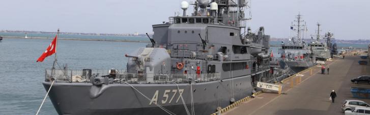 В порт Одессы впервые в этом году вошли корабли НАТО (ФОТО)