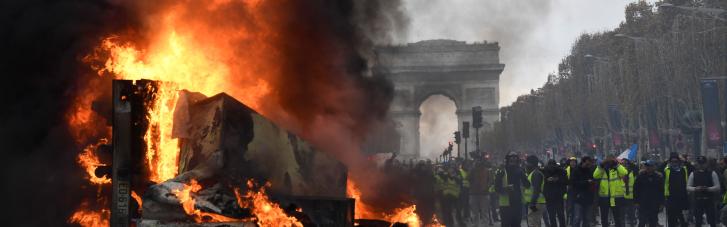 Вечно беременная революцией Франция. Какие шансы у Ле Пен отомстить Макрону