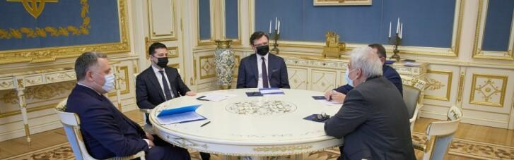 Зеленский принял верительные грамоты у трех дипломатов (ФОТО)