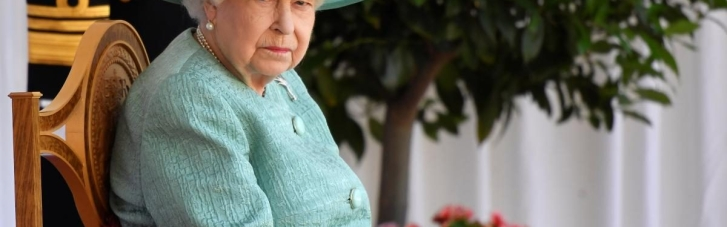 """Канцелярия королевы Великобритании указала Крым """"российским"""" на письме к местным школьникам"""