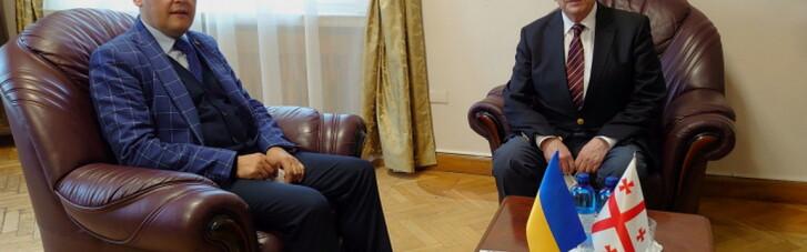 Посол Грузії, відкликаний через Саакашвілі, повернувся в Україну