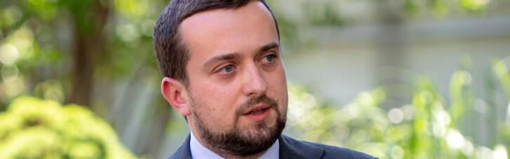 У Зеленського пояснили, чому вакцинація в Україні відбувається так повільно