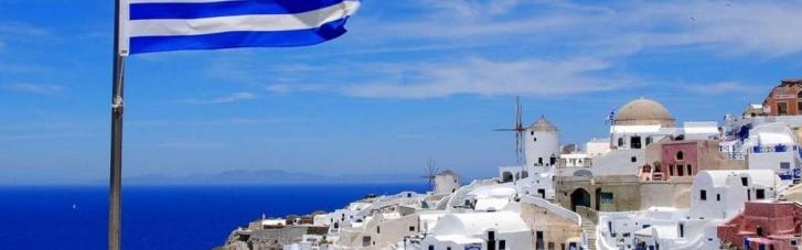 У Греції подумали і все-таки дозволили в'їзд українським туристам