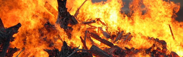 На Днепропетровщине в пожаре погиб человек, пострадали двое
