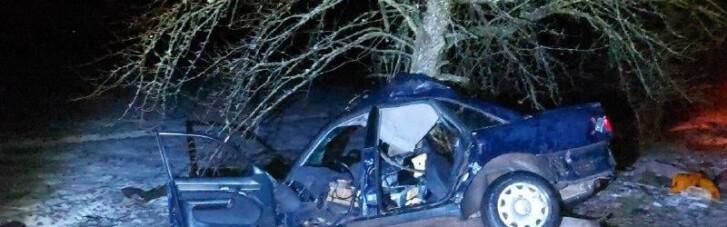 На Ровенщине подростки решили погонять на авто: один погибший, трое в реанимации (ФОТО)