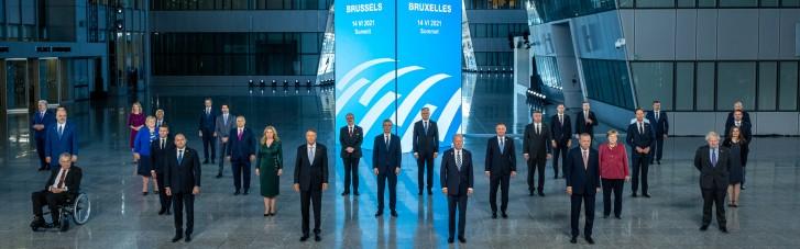 Рахунок з Брюсселя. Чому НАТО дає аванси Україні, а не Зеленському