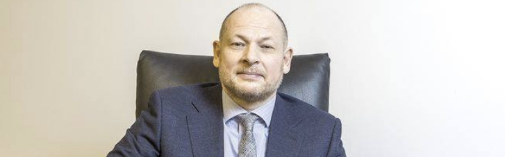 """Тимчасовий захід: ВАКС заочно заарештував ексглаву """"Приватбанку"""" Дубілета"""
