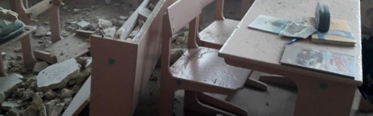 На Чернігівщині в гімназії обвалилася стеля — як з'ясувалося, вже втретє (ФОТО)