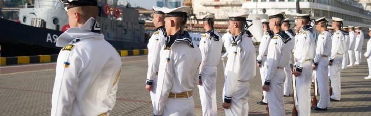 Моряки без работы. Кому выгодны блокировка госреестров и паралич морской отрасли Украины