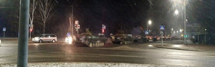 Велику колону військової техніки помітили біля кордону Білорусі з Польщею та Литвою (ВІДЕО)