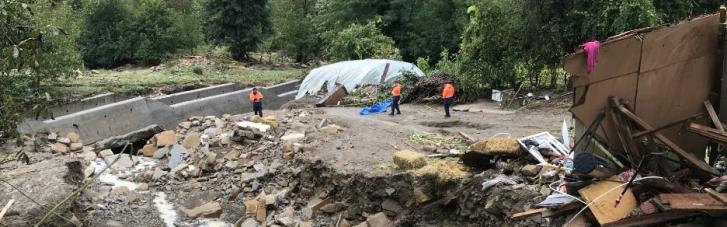 Вслед за лесными пожарами Турцию накрыла волна наводнений: есть погибшие и пострадавшие (ФОТО)