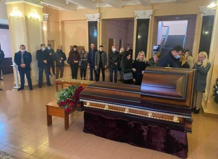 Сьогодні в Чернігові відбулася прощальна церемонія з Антоном Поляковим, який помер в машині таксі 8 жовтня