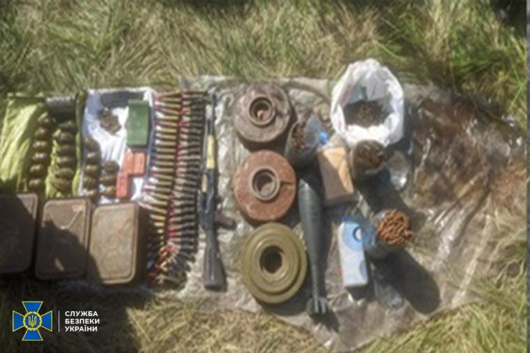 Схрон виявили поблизу Маріуполя