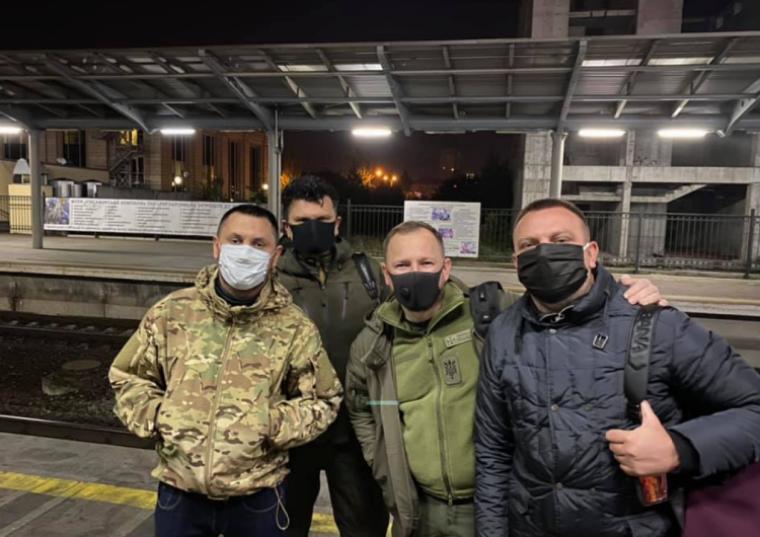 """""""Слуги"""" едут на Донбасс"""