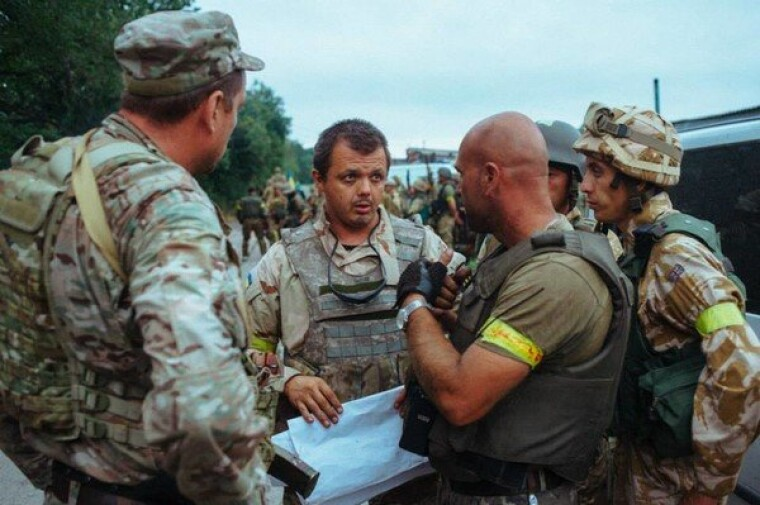 Семен Семенченко з бійцями батальйону Донбас