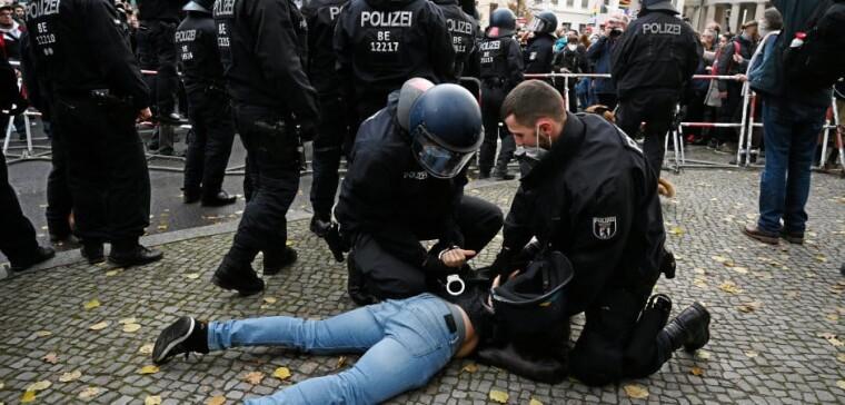 Затримання мітингувальників