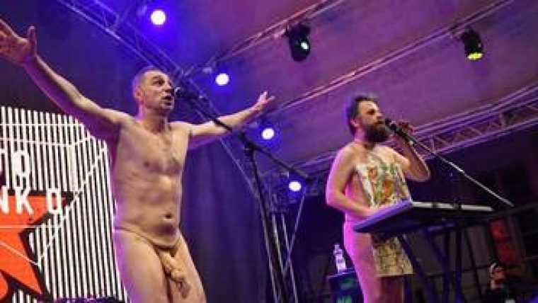 "Выступление группы ""Хамерман знищує віруси"" на фестивале Porto Franco"
