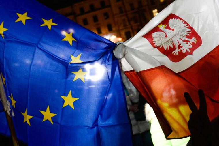 Євросоюз може ввести санкції щодо Польщі