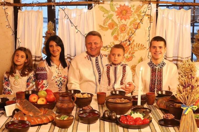Александр Шевченко с семьей