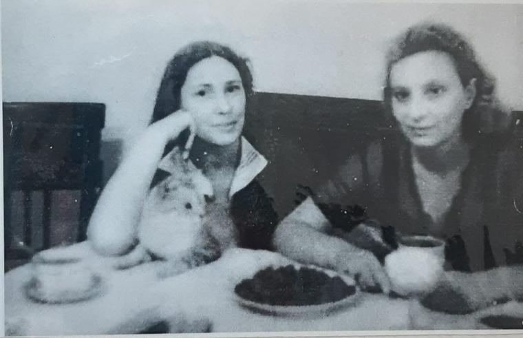 Праведница народов Мира Мария Егоричева Глаголева и спасенная от гибели в Бабьем Яру Изабелла Миркина. Вся семья Миркиной ушла 29 сентября 1941 года в Бабий Яр.