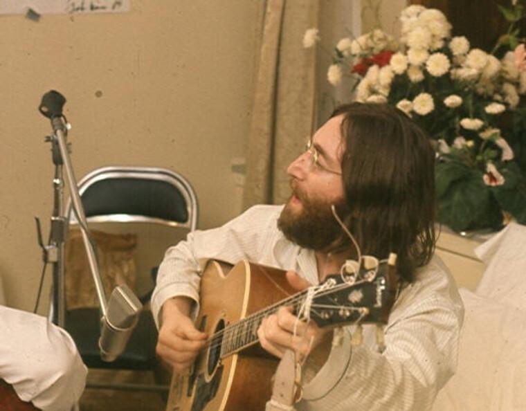 """Джон Леннон, запись песни """"Give Peace a Chance"""" / Wikipedia"""