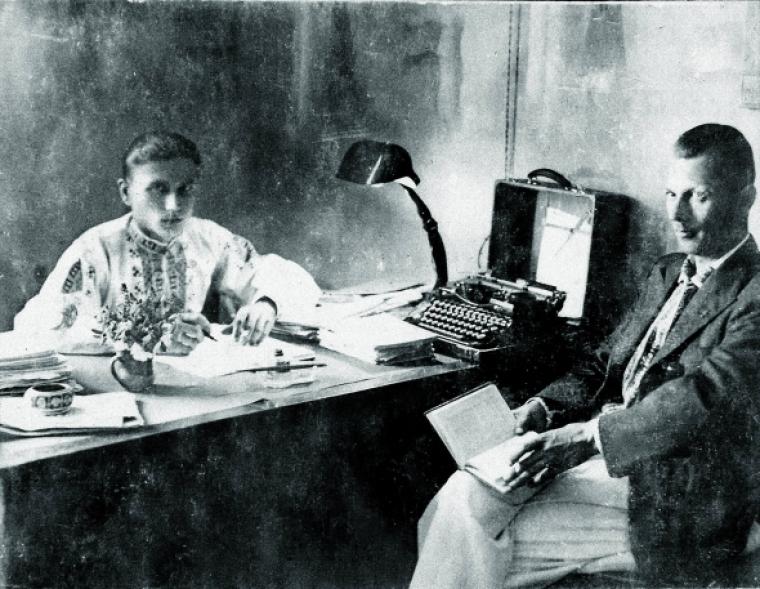 Юрій Горліс-Горський у вишиванці