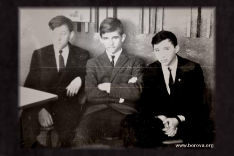 Віктор Медведчук (по центру), архівне фото borova.org