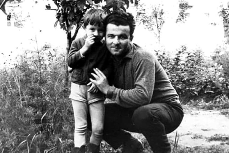 Арсен Аваков в детстве с отцом